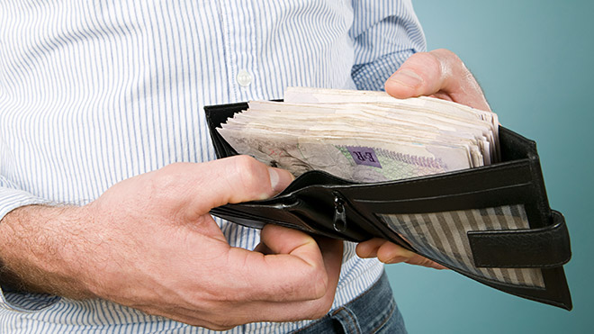 wallet containing £1000. Photo: Imagesource
